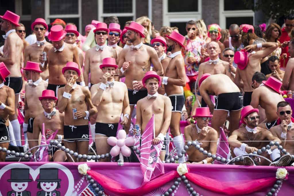 Wij beveiligen gays en andere gasten tijdens de gay pride